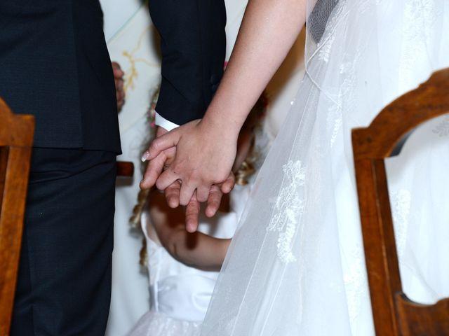 Le mariage de Julien et Gaëlle à Chazay-d'Azergues, Rhône 32
