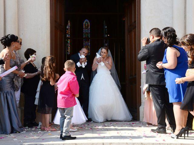 Le mariage de Julien et Gaëlle à Chazay-d'Azergues, Rhône 38