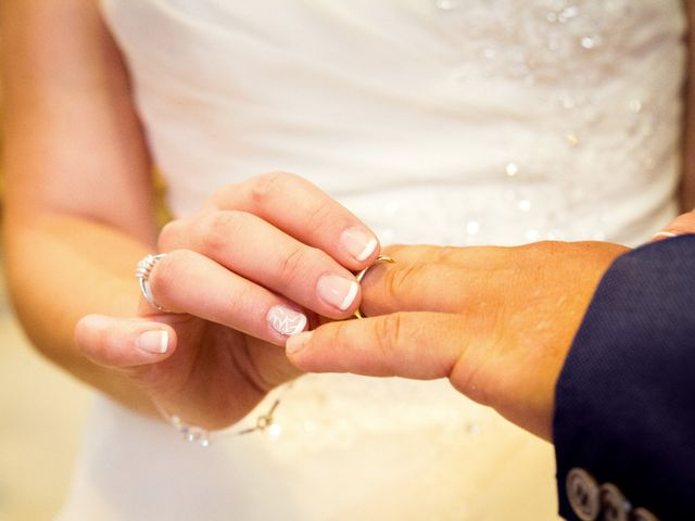 Le mariage de Fabrice et Amélie à Sainte-Sigolène, Haute-Loire 31