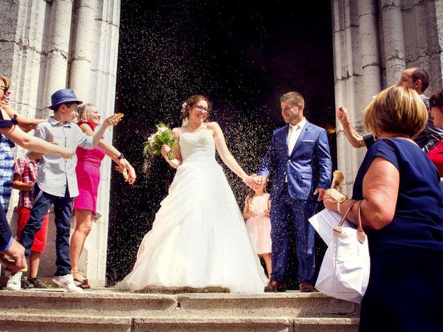 Le mariage de Fabrice et Amélie à Sainte-Sigolène, Haute-Loire 33