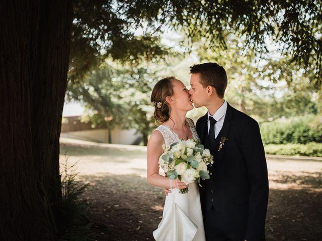 Le mariage de Arnaud et Clémence à L'Honor de Cos, Tarn-et-Garonne 33