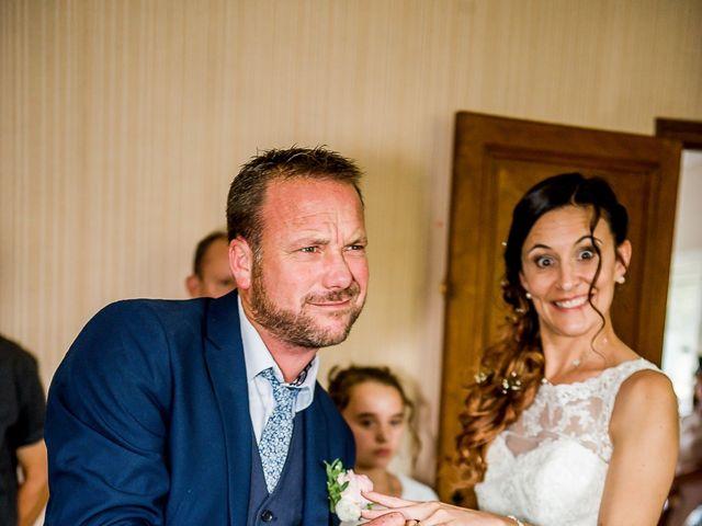 Le mariage de Cedric et Amelie à Voulon, Vienne 19