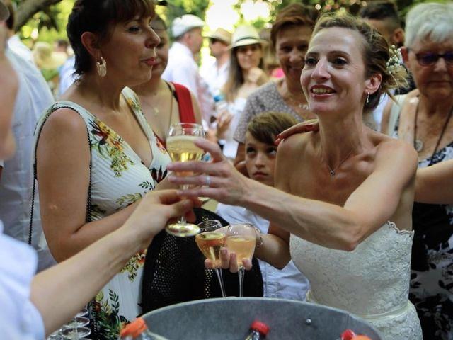 Le mariage de Gérald et Agathe à Althen-des-Paluds, Vaucluse 12