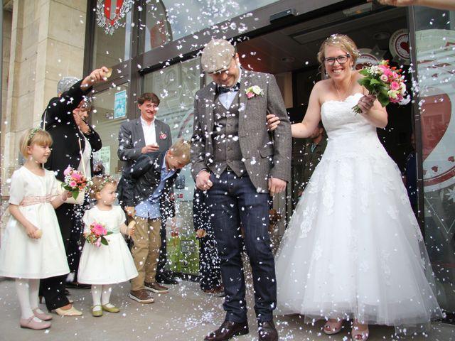 Le mariage de Maud et Stéphane à Saint-Omer-en-Chaussée, Oise 94