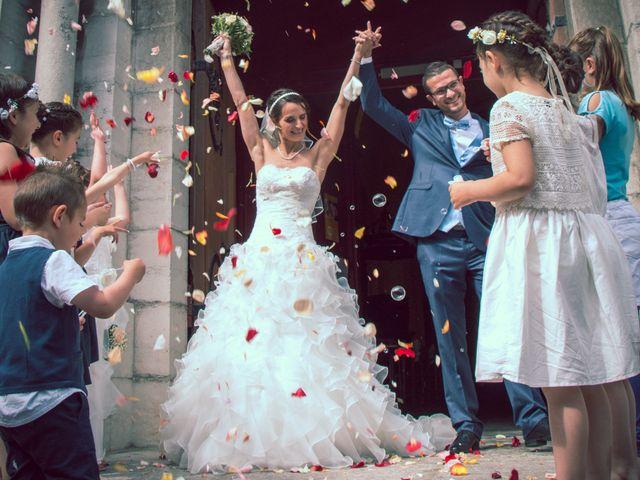 Le mariage de Paolo et Marie à Villeneuve-de-Berg, Ardèche 13