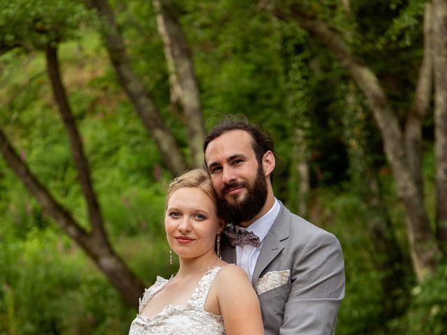 Le mariage de Loïc et Lauryn à Le Mayet-de-Montagne, Allier 11