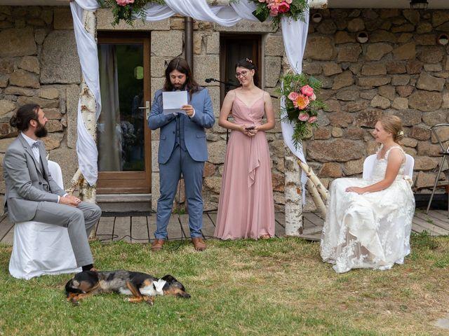 Le mariage de Loïc et Lauryn à Le Mayet-de-Montagne, Allier 16