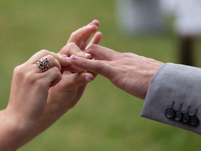 Le mariage de Loïc et Lauryn à Le Mayet-de-Montagne, Allier 18