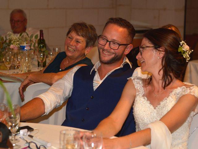 Le mariage de Stéphanie et Fabien à Yvrac, Gironde 21