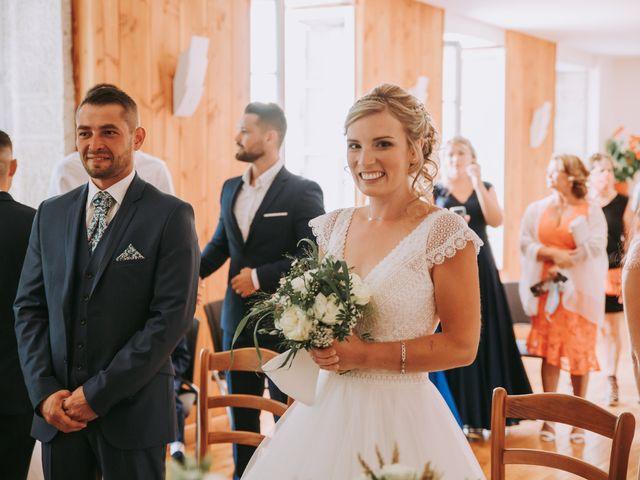 Le mariage de Sébastien et Marlène à La Roche-en-Brenil, Côte d'Or 3