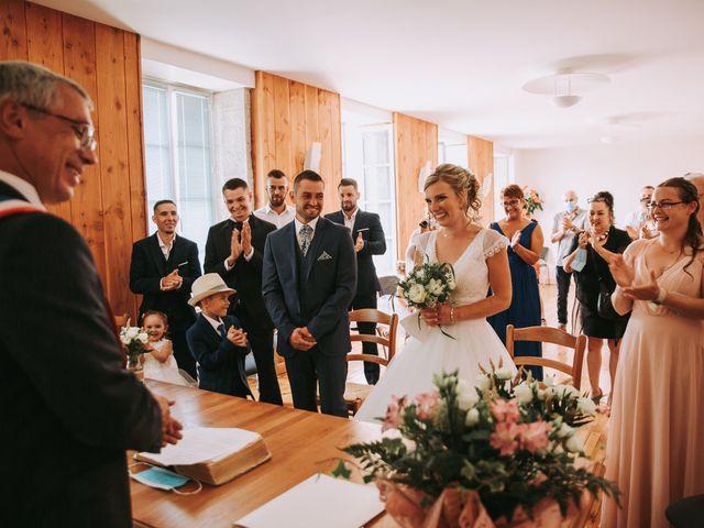 Le mariage de Sébastien et Marlène à La Roche-en-Brenil, Côte d'Or 5