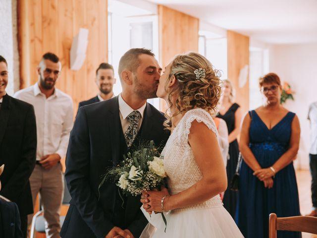 Le mariage de Sébastien et Marlène à La Roche-en-Brenil, Côte d'Or 6