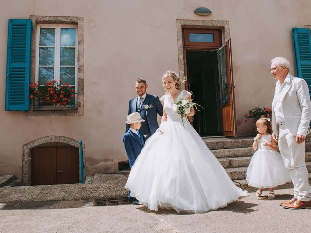 Le mariage de Sébastien et Marlène à La Roche-en-Brenil, Côte d'Or 8