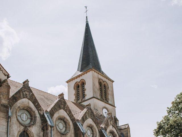 Le mariage de Sébastien et Marlène à La Roche-en-Brenil, Côte d'Or 10