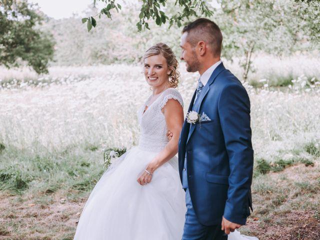 Le mariage de Sébastien et Marlène à La Roche-en-Brenil, Côte d'Or 28
