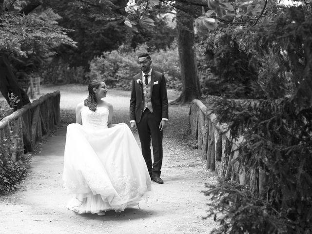 Le mariage de Malik et Sarah à Vert-Saint-Denis, Seine-et-Marne 75