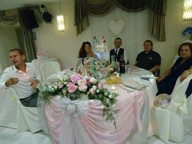 Le mariage de José  et Emilie  à Port-de-Bouc, Bouches-du-Rhône 19