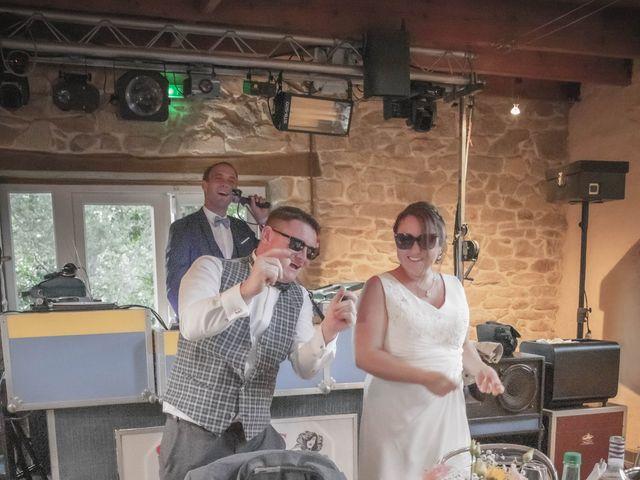 Le mariage de Romain et Carine à Esquibien, Finistère 12