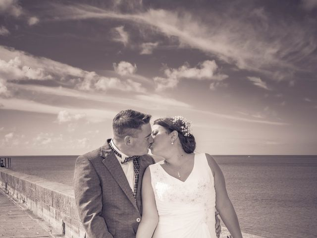 Le mariage de Romain et Carine à Esquibien, Finistère 14