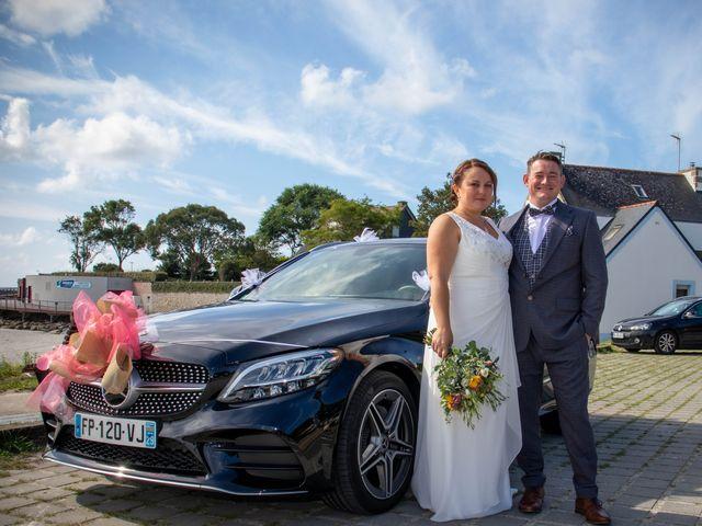 Le mariage de Romain et Carine à Esquibien, Finistère 15