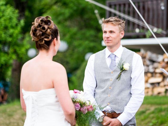 Le mariage de Chris et Lucy à Saint-Martin-d'Uriage, Isère 15