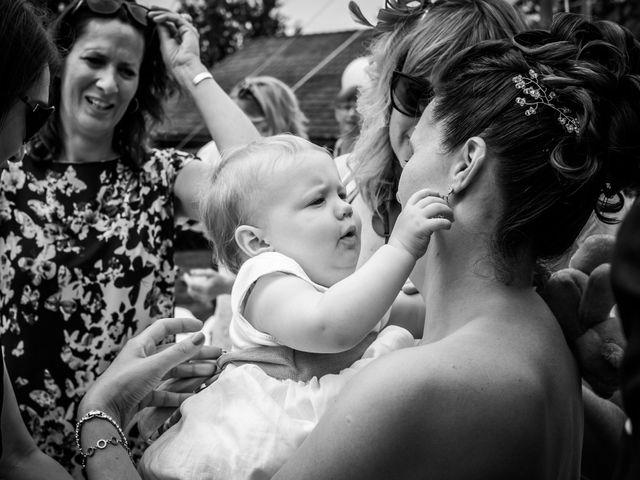 Le mariage de Chris et Lucy à Saint-Martin-d'Uriage, Isère 27