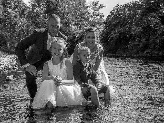 Le mariage de Julien et Sabrina à Bartenheim, Haut Rhin 4