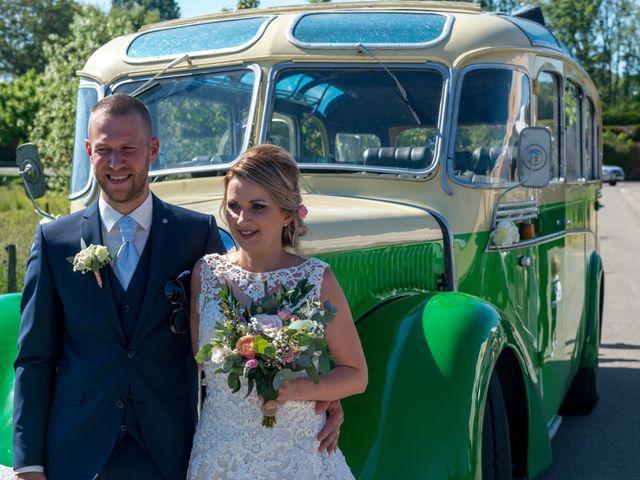 Le mariage de Julien et Sabrina à Bartenheim, Haut Rhin 25
