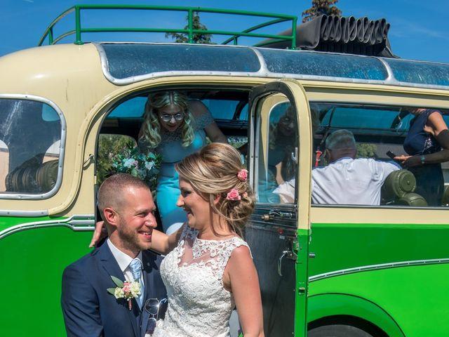 Le mariage de Julien et Sabrina à Bartenheim, Haut Rhin 29