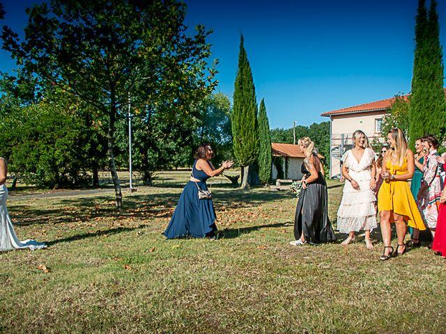 Le mariage de Adrien et Heather à Colomiers, Haute-Garonne 5