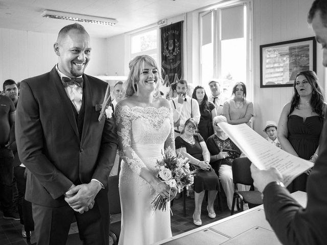 Le mariage de Johann et Charlotte à Épagne-Épagnette, Somme 16