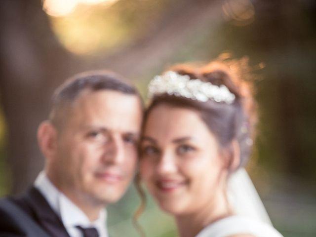 Le mariage de Eyup et Sarah à Entrecasteaux, Var 2