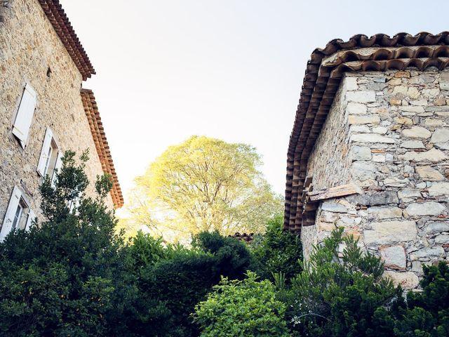 Le mariage de Julien et Agathe à Combaillaux, Hérault 74