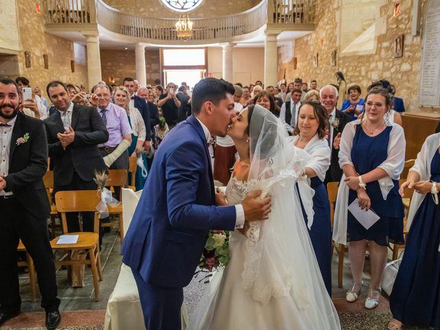 Le mariage de Valentin et Celine à Saint-Pardoux-la-Rivière, Dordogne 12