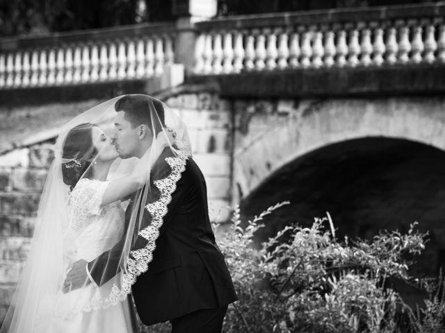 Le mariage de Valentin et Celine à Saint-Pardoux-la-Rivière, Dordogne 13