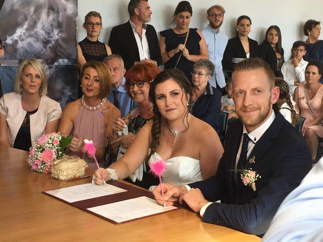 Le mariage de Sandy et Elodie à Sains-du-Nord, Nord 5