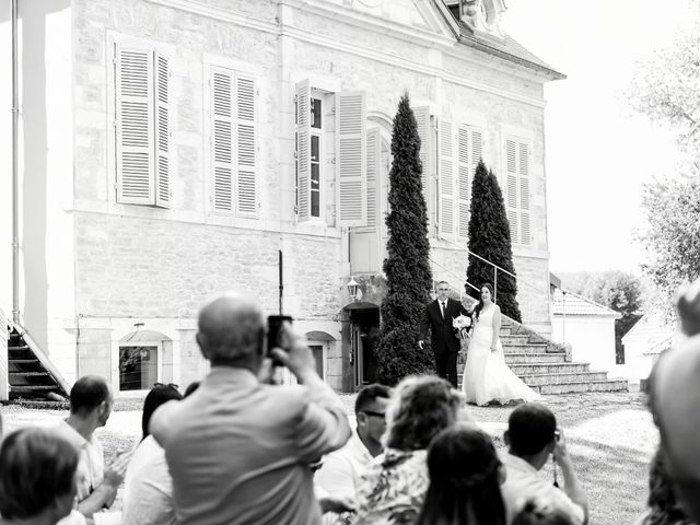 Le mariage de Nicolas et Sarah à Pont-de-Pany, Côte d'Or 39