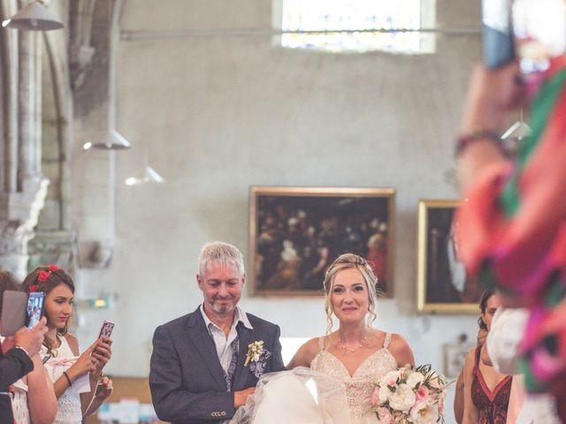 Le mariage de Jérôme et Amélie à Les Écrennes, Seine-et-Marne 10