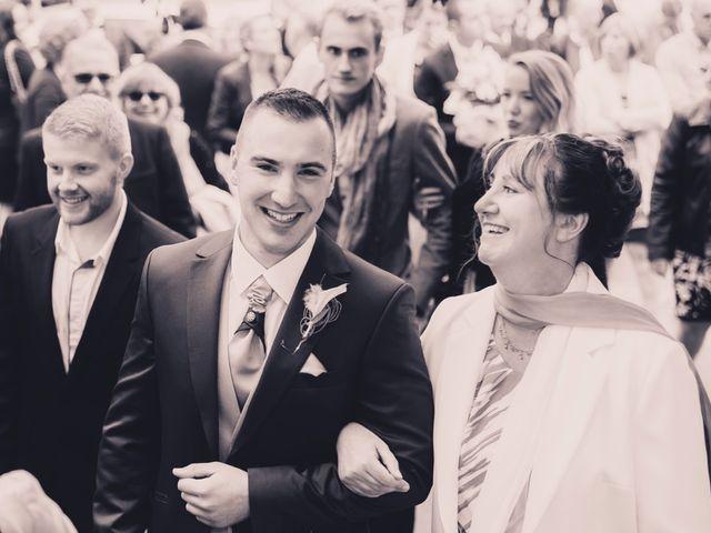 Le mariage de Sébastien et Anaïs à Sebourg, Nord 22