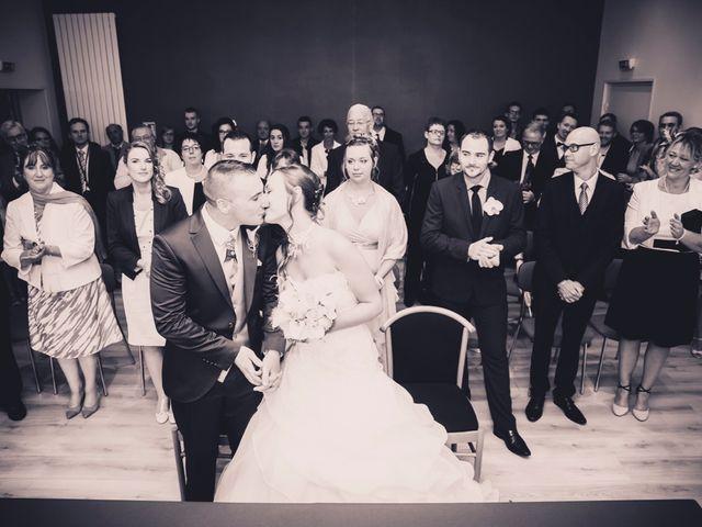 Le mariage de Sébastien et Anaïs à Sebourg, Nord 24