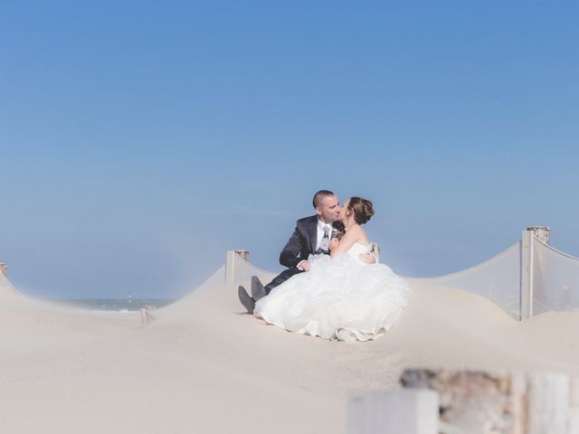 Le mariage de Sébastien et Anaïs à Sebourg, Nord 38