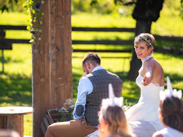 Le mariage de Thibault et Marion à Saint-Romain-de-Popey, Rhône 15