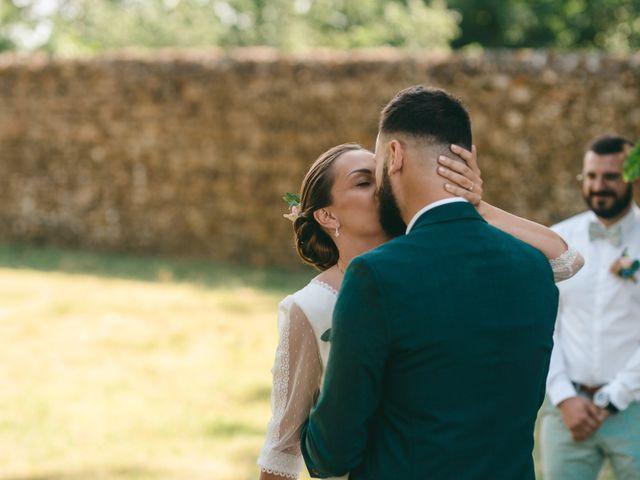 Le mariage de Loic et Cassandre à Véranne, Loire 25