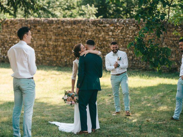 Le mariage de Loic et Cassandre à Véranne, Loire 27