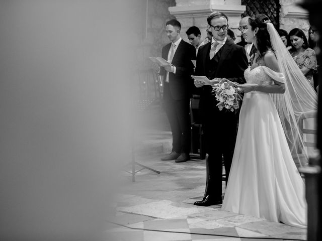 Le mariage de James et Claire à Allemans, Dordogne 23