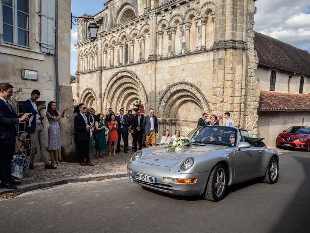 Le mariage de James et Claire à Allemans, Dordogne 30