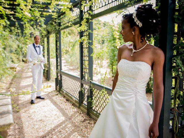 Le mariage de Arry et Sabrina à Saints, Seine-et-Marne 23