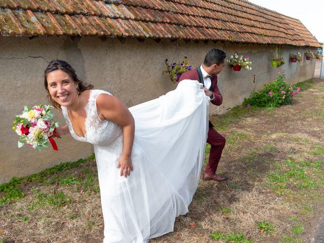 Le mariage de Adil et Élodie à Moulins, Allier 14