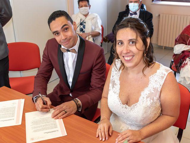 Le mariage de Adil et Élodie à Moulins, Allier 23