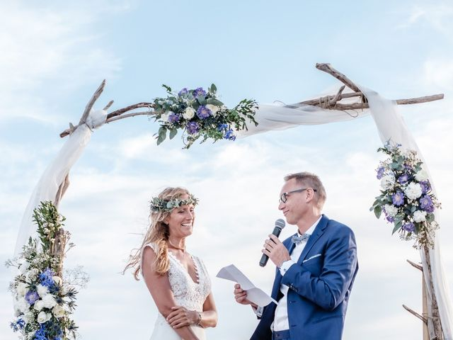Le mariage de Jean-Christophe et Fabienne à Le Grau-du-Roi, Gard 2